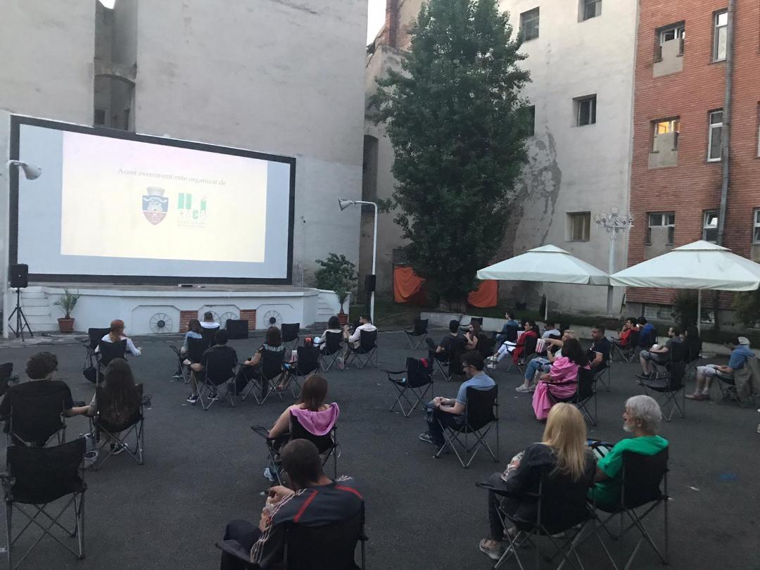 """Noi proiecții de filme, în grădina de vară a Cinematografului """"Arta"""""""
