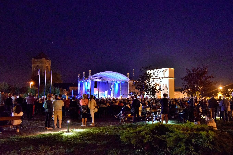 Zilele Aradului 2017: Spectacol de operetă, Seara muzicii ușoare românești și Noaptea albă a Aradului