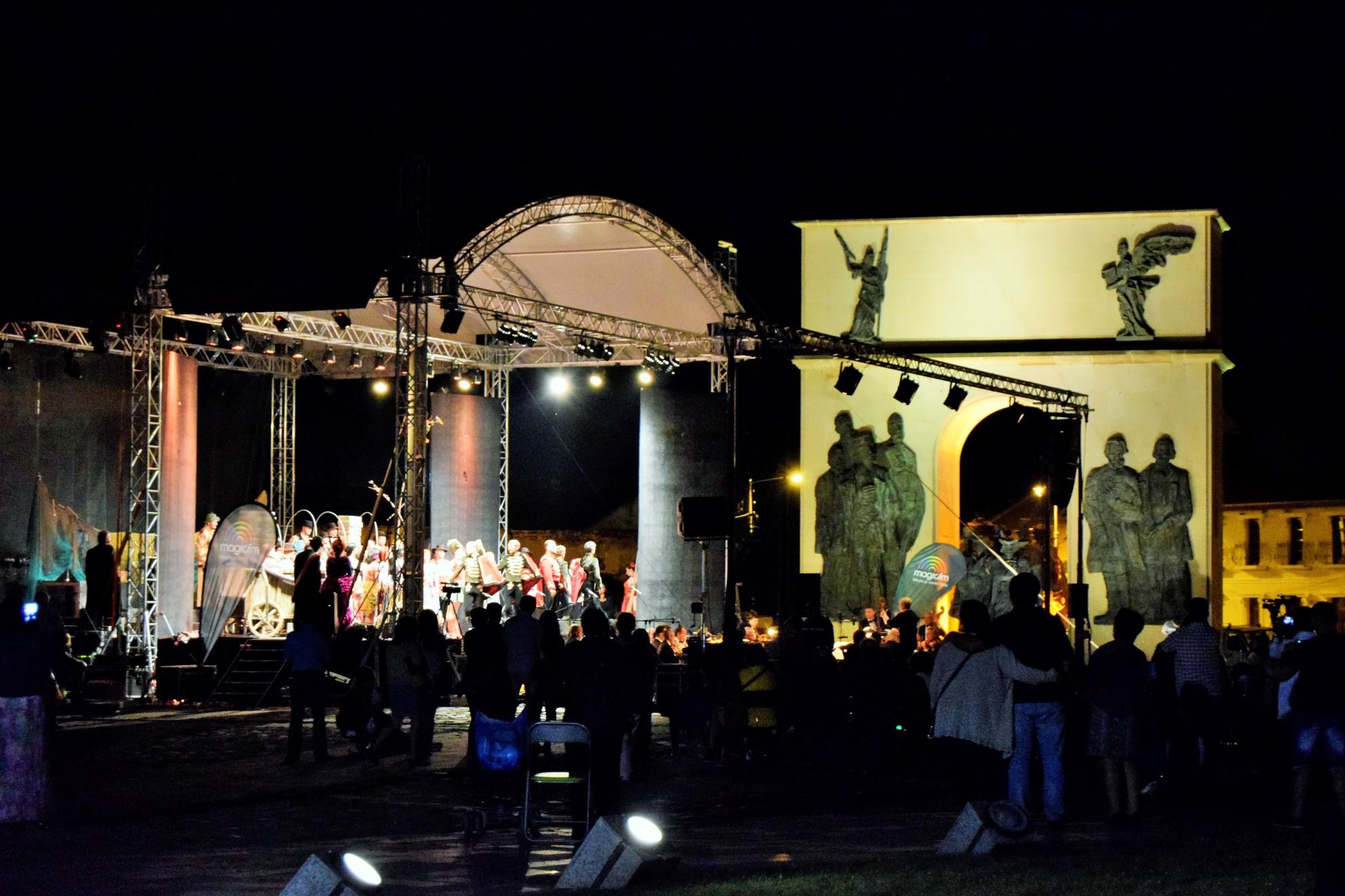 Noaptea Albă a Instituțiilor de Cultură la Zilele Aradului