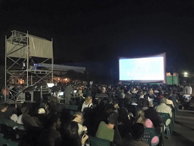 Peste 1500 de arădeni, la proiecția de film de la Ștrandul Neptun