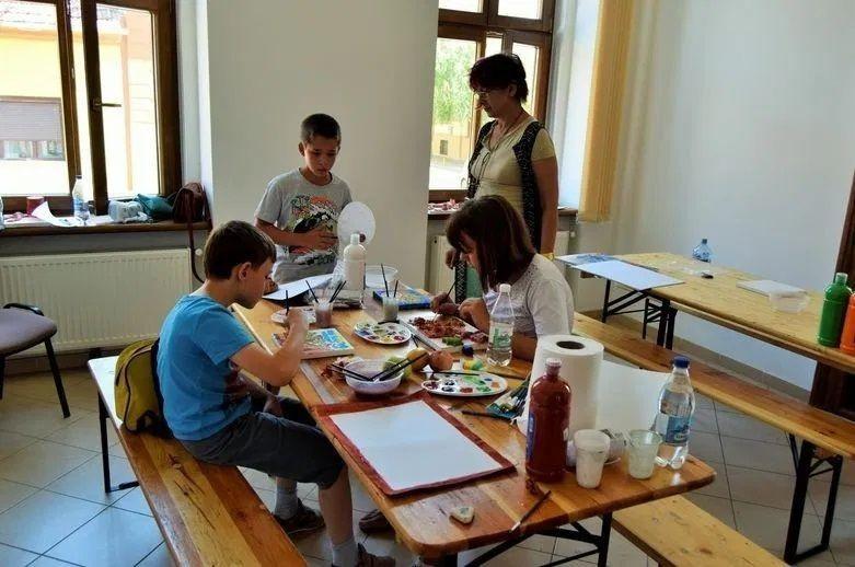 """ANUNȚ - NU se mai fac înscrieri la Școala de vară """"Vara de ARTE"""""""
