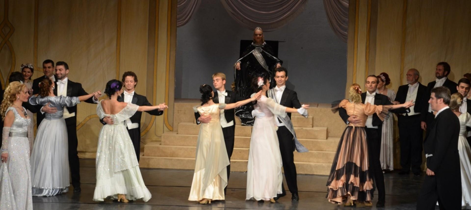 Spectacol de operetă în aer liber la Zilele Aradului