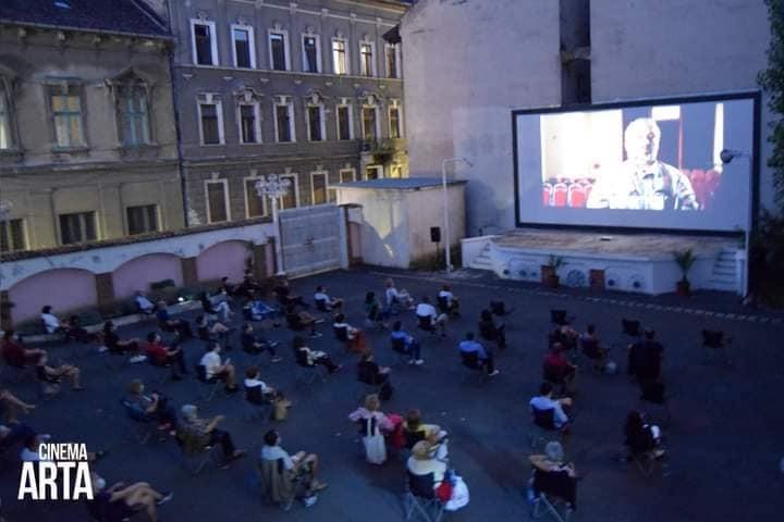 """Grădina de vară de la Cinematograful Arta se redeschide pentru public cu proiectul """"Ne vaccinăm pentru reluarea activităților culturale!"""""""