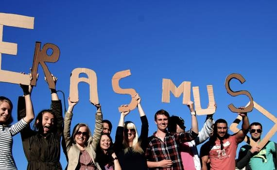 Keep calm and love culture – programul Erasmus+ care va aduce voluntari din 4 țări europene la Arad!
