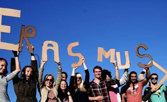 Keep calm and love culture – programul Erasmus+ care va aduce voluntari din 4 țări europene la Arad!