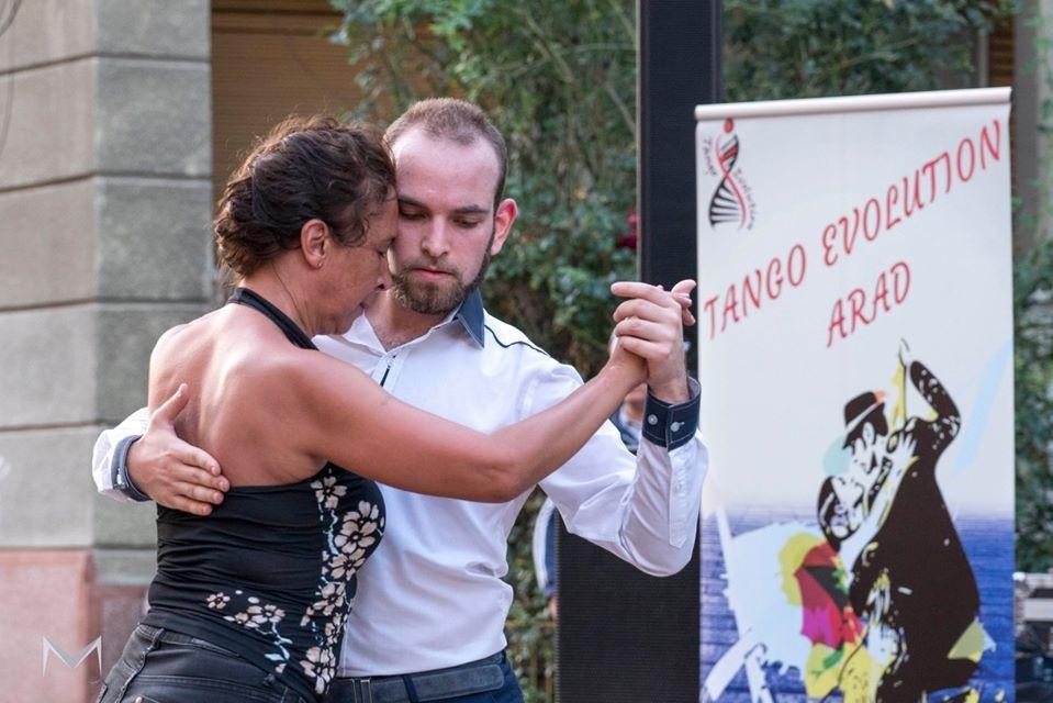 Spectacol de tango argentinian, la Arad
