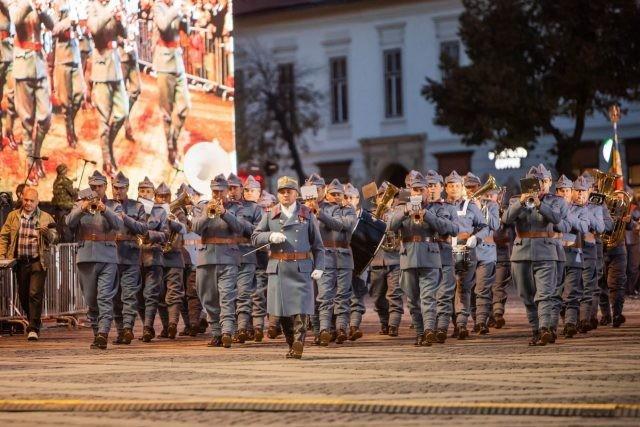 100 de ani de administrație românească la Arad. Paradă militară, reconstituiri istorice, conferințe internaționale, vernisaje
